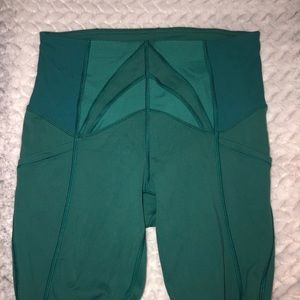 Forest green cropped lulu leggings